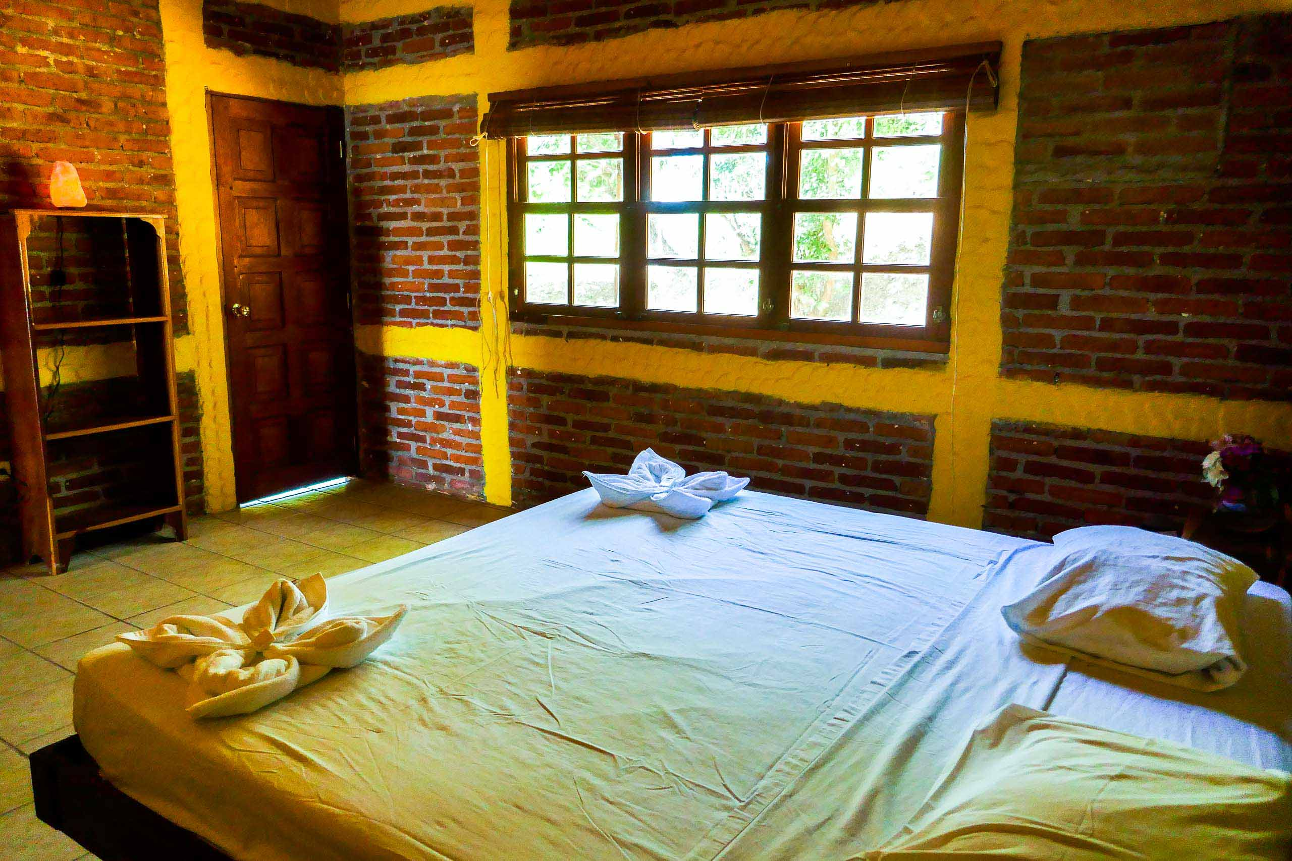 Casa Oro Group Casa-Ruth-San-Juan-del-Sur-Nicaragua-King-Room-Bricks-Salt-Lamp-Comfort-Retreat Casa Ruth